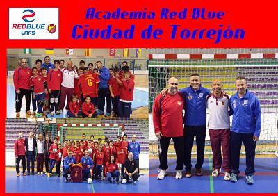 LUCIANO HERRERO VISITÓ LA ACADEMIA RED BLUE CIUDAD DE TORREJÓN